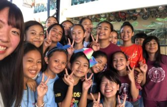 filipino-volunterring