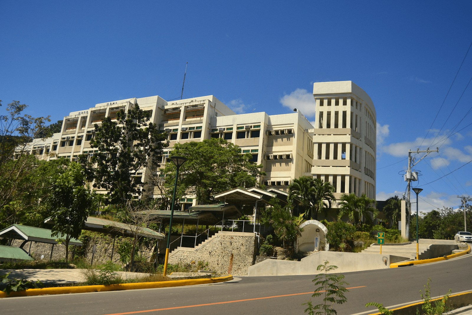 sancarlos-talamban-campus